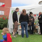 Dennistoun Buffalo Bill Square Big Lunch 2012 People 01